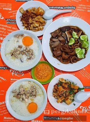Foto 6 - Makanan di Bubur Ayam Tangki 18 Aguan oleh Asiong Lie @makanajadah