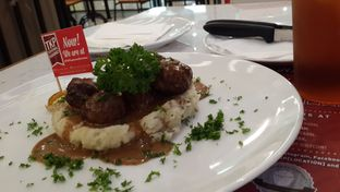 Foto review Steak Hotel by Holycow! oleh Yanni Karina 2