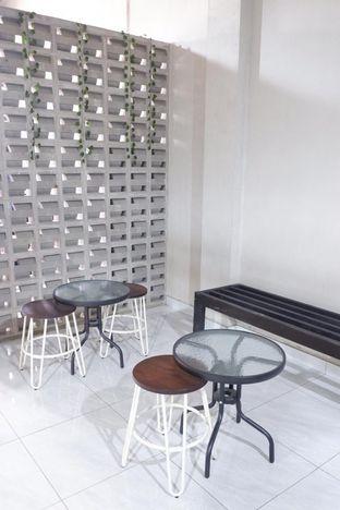 Foto 20 - Interior di Meneed Coffee Cuts oleh yudistira ishak abrar