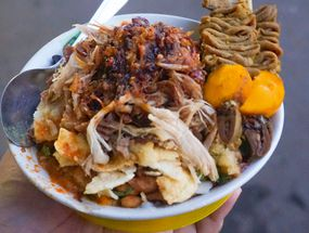 Foto Bubur Ayam Samping BCA Khas Mayong