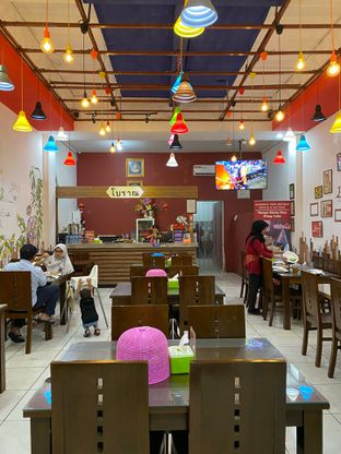 Foto 2 - Interior di Bolan Thai Street Kitchen oleh Duolaparr