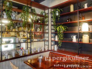 Foto 2 - Interior di Kopi Kitchen oleh Yummy Eats
