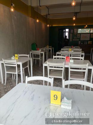 Foto 2 - Interior di Cobek Betawi oleh feedthecat