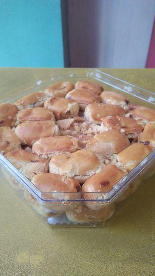 Foto 4 - Makanan di Holland Bakery oleh Review Dika & Opik (@go2dika)