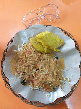 Foto 3 - Makanan(Nasi Pecel Madiun) di Ayam Bakar Madiun oleh Qorry Ayuni