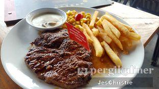 Foto 2 - Makanan(Tokusen Wagyu Tenderloin) di Steak Hotel by Holycow! oleh JC Wen