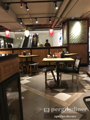 Foto 3 - Interior di NamNam Noodle Bar oleh Cubi