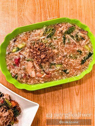 Foto 1 - Makanan(Kwetiau Siram Spesial) di Kwetiau Akang oleh Onaka Zone