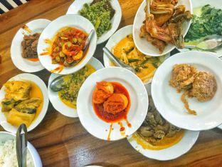 Foto 1 - Makanan di RM Indah Jaya Minang oleh Astrid Huang | @biteandbrew