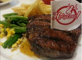 Foto - Makanan di Holycow! STEAKHOUSE by Chef Afit oleh Prajna Mudita