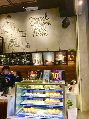 Foto 6 - Interior di Blue Lane Coffee oleh Prido ZH
