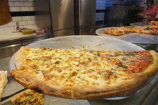 Foto 3 - Makanan di Pizza Place oleh iminggie