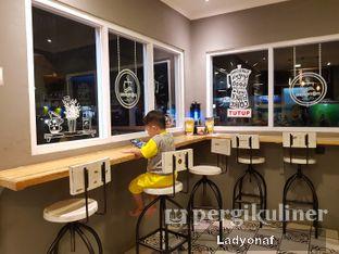 Foto 4 - Interior di Nongkee Coffee oleh Ladyonaf @placetogoandeat