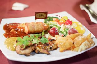 Foto 5 - Makanan(Chicken Four Season) di The Valley Bistro Cafe oleh Chrisilya Thoeng