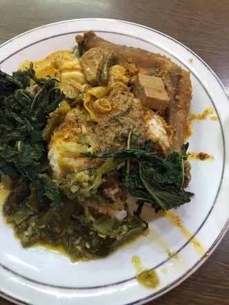 Foto Makanan di Restoran Sederhana SA