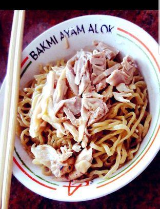 Foto 3 - Makanan di Bakmi Ayam Alok oleh heiyika
