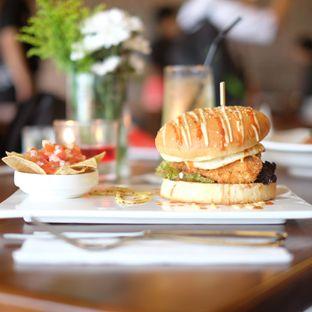 Foto review The Hook Resto & Cafe oleh Kiki Amelia 3