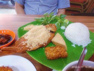 Foto 2 - Makanan di Bebek Goreng HT Khas Surabaya oleh abigail lin