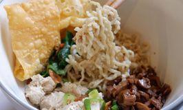 Salapan Noodle