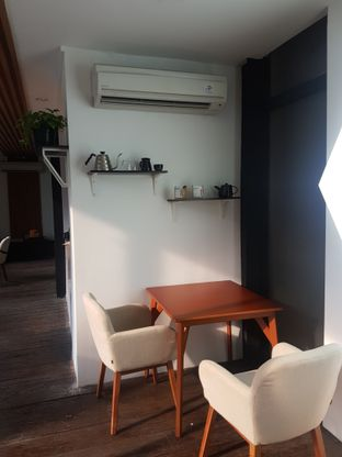 Foto 3 - Interior di Simetri Coffee Roasters oleh ig: @andriselly