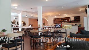 Foto 14 - Interior di Coffee On Fifth oleh UrsAndNic