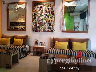 Foto 2 - Interior di Nom Nom Nom oleh EATIMOLOGY Rafika & Alfin