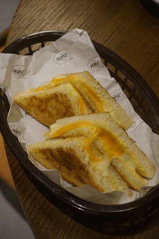 Foto 17 - Makanan di The People's Cafe oleh yudistira ishak abrar