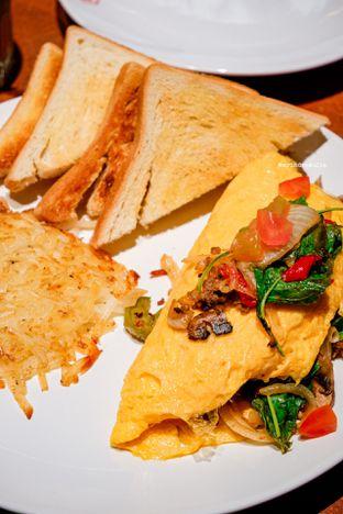 Foto 3 - Makanan di Denny's oleh Indra Mulia