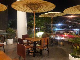 Foto 5 - Eksterior di Cozyfield Cafe oleh Nisanis