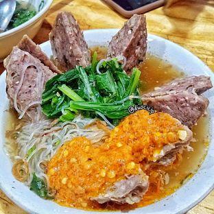 Foto - Makanan(Bakso Jumbo Urat Super) di Bakso Rusuk Samanhudi oleh felita [@duocicip]