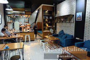 Foto 10 - Interior di Typica Coffee & Zain's Kitchen oleh Darsehsri Handayani