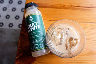 Foto review Metropole Coffee oleh catgoesmiawyaw  1