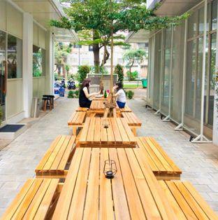 Foto 31 - Eksterior di Platon Coffee oleh duocicip