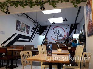 Foto 8 - Interior di Salt & Sugar Cafe and Bistro oleh Prita Hayuning Dias