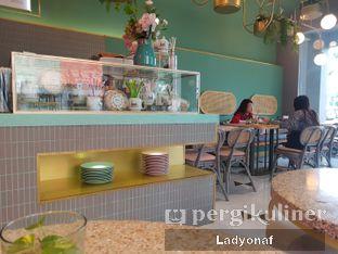 Foto 2 - Interior di Unison Cafe oleh Ladyonaf @placetogoandeat