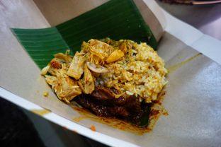 Foto 1 - Makanan di RM Pondok Minang Jaya oleh Nanakoot