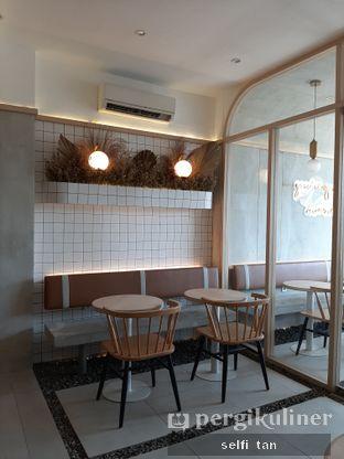 Foto 6 - Interior di Coffeeright oleh Selfi Tan