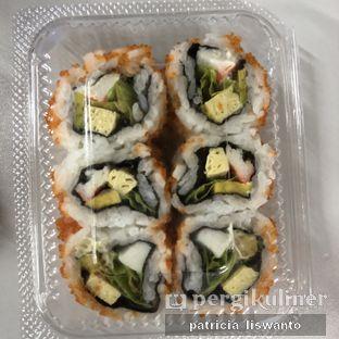 Foto 1 - Makanan(Mini California Roll) di Sushi Kiosk oleh Patsyy