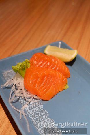 Foto 1 - Makanan(Salmon Sashimi) di Ichiban Sushi oleh Shella Anastasia