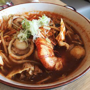 Foto 2 - Makanan(Spicy Miso Ramen) di Sushi Tei oleh Magdalena Fridawati