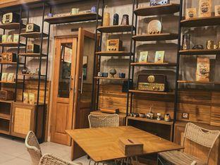 Foto 2 - Interior di Kopi Warga oleh @qluvfood