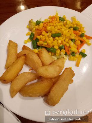 Foto 7 - Makanan di Abuba Steak oleh @NonikJajan
