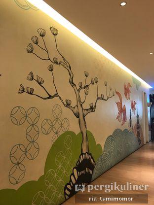 Foto 1 - Interior di Hong Kong Cafe oleh riamrt