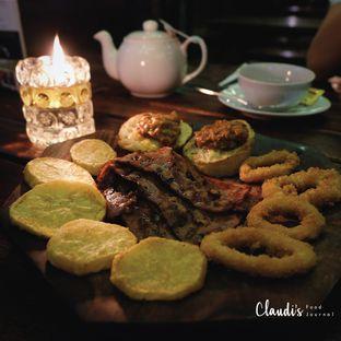 Foto 3 - Makanan(Platter for 2) di H Gourmet & Vibes oleh Claudia @claudisfoodjournal