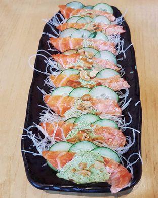Foto 1 - Makanan(Aburi Salmon Carpaccio) di Sushi Tei oleh Gembuli Tan