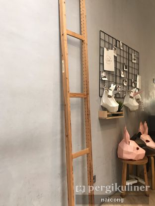 Foto 4 - Interior di Asagao Coffee House oleh Icong