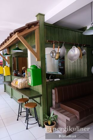 Foto 6 - Interior di Warung Bogor oleh Darsehsri Handayani