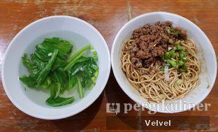 Foto - Makanan(Mie Polos Asin) di Mie Naripan oleh Velvel