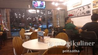 Foto 4 - Interior di Wheels and Brakes Cafe oleh Prita Hayuning Dias