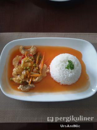 Foto 5 - Makanan(Nasi gurame asam manis) di Rumah Putih oleh UrsAndNic